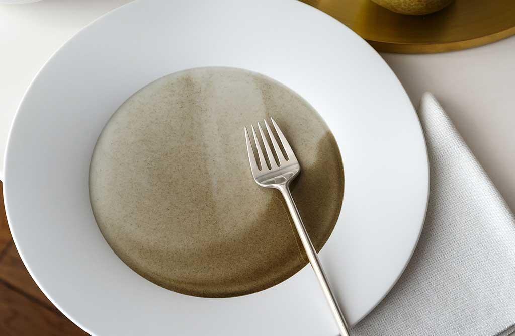 piatto porcellana due colori