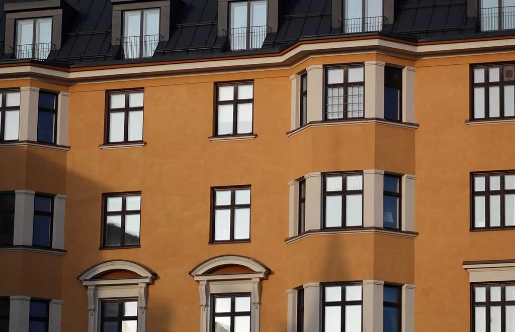 facciata ocra palazzo