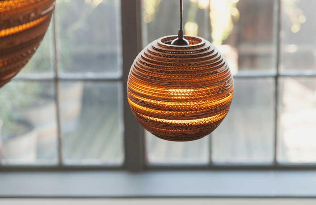 lampadario sfera cartone ondulato