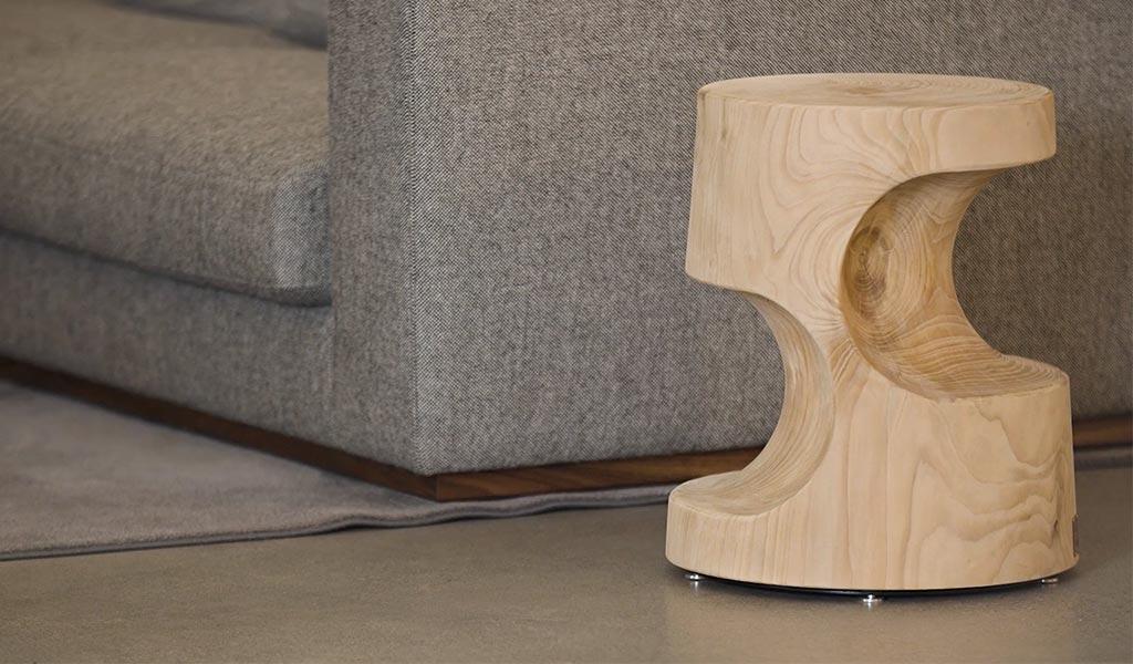 sgabello legno di cedro massiccio