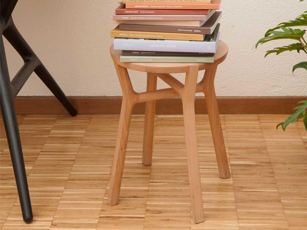 sgabello legno massello design