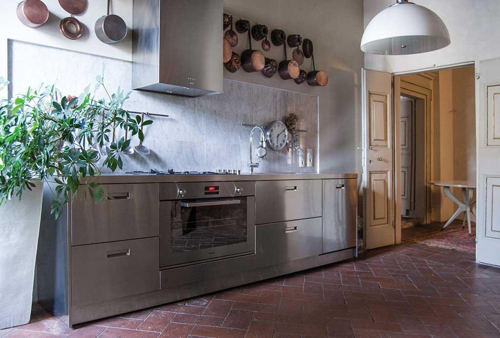 cucina inox maniglie incassate