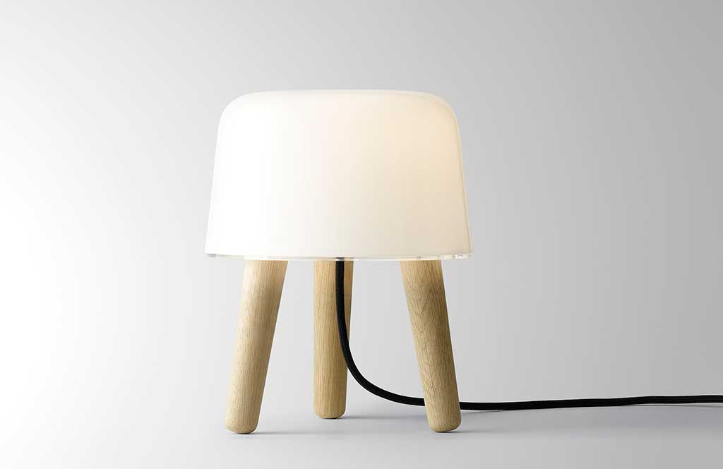 lampada da tavolo milk design