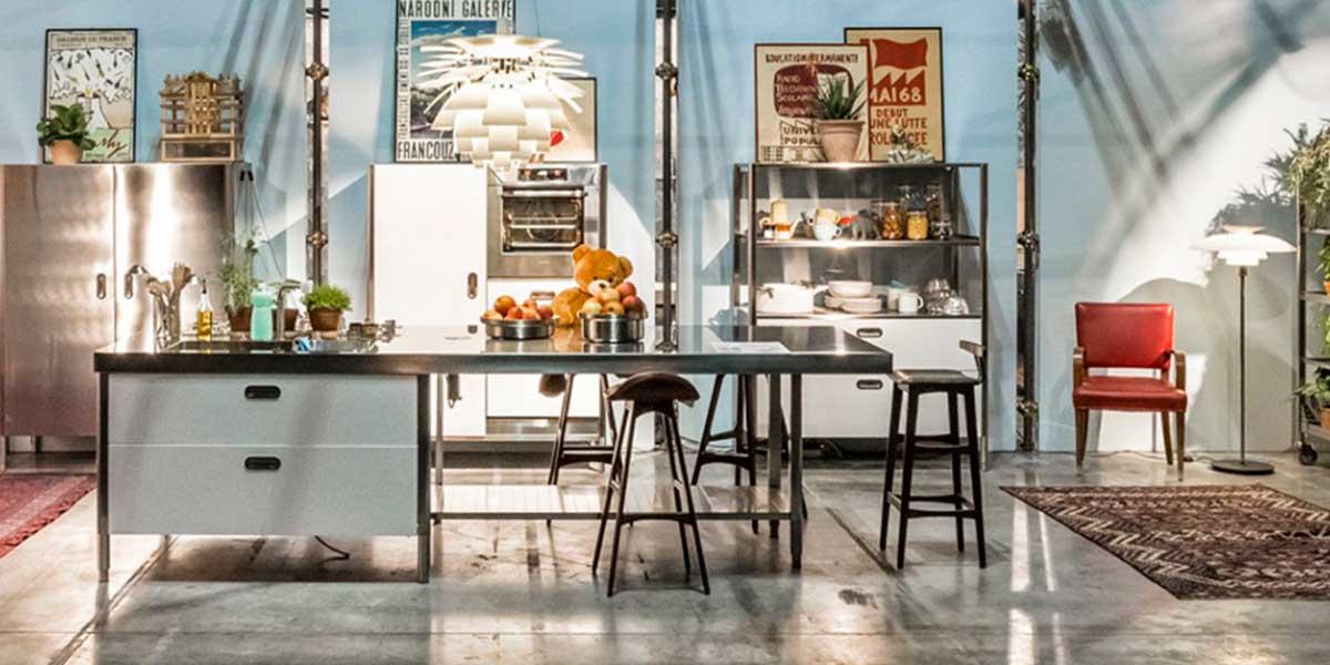 Cucina In Acciaio Stile Industriale La Casa In Ordine