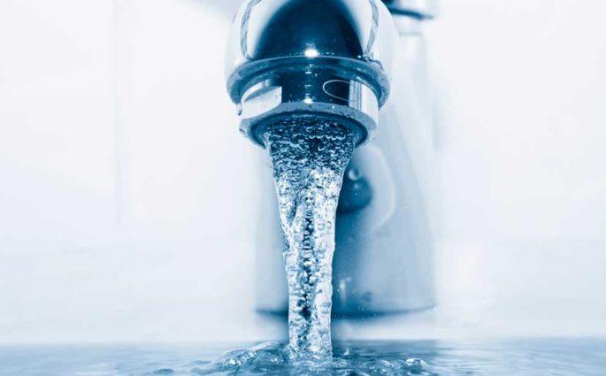 rubinetto acqua aperti