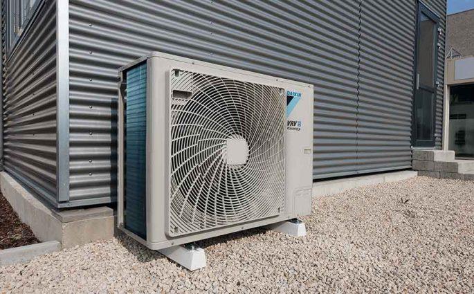 pompa calore vrv5 daikin esterno