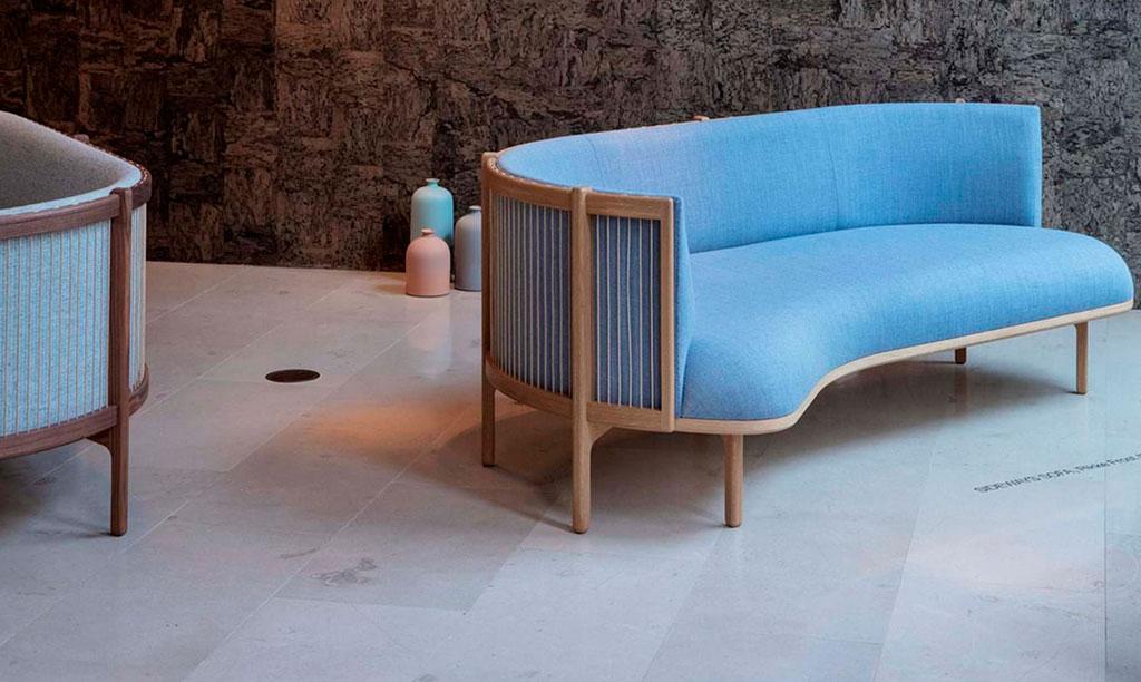 divano turchese schienale legno