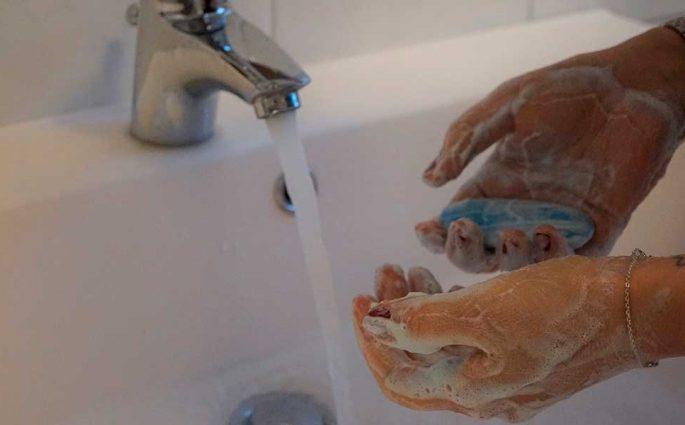 lavare mani sapone