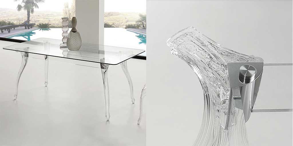 tavolo vetro gambe trasparenti