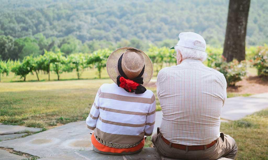 anziani aria aperta