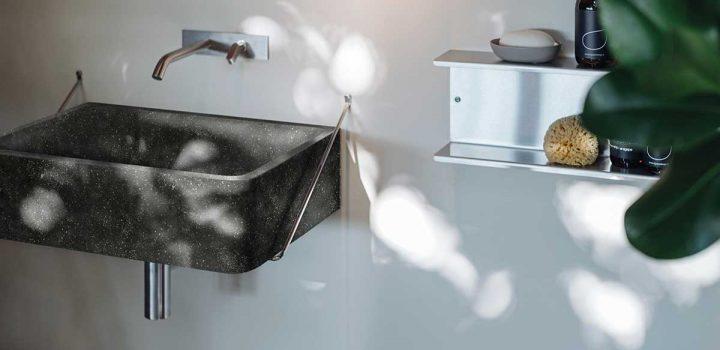 Il fascino della pietra anche in bagno
