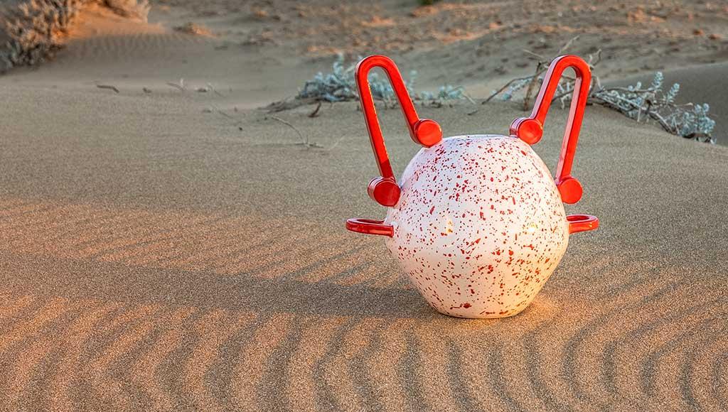 vaso con manici rossi design