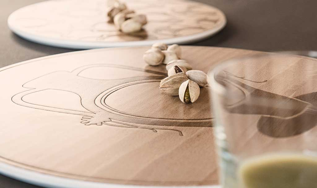 vassoio sottopiatto legno