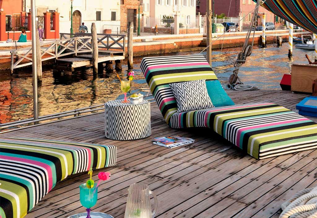 chaise longue colorata