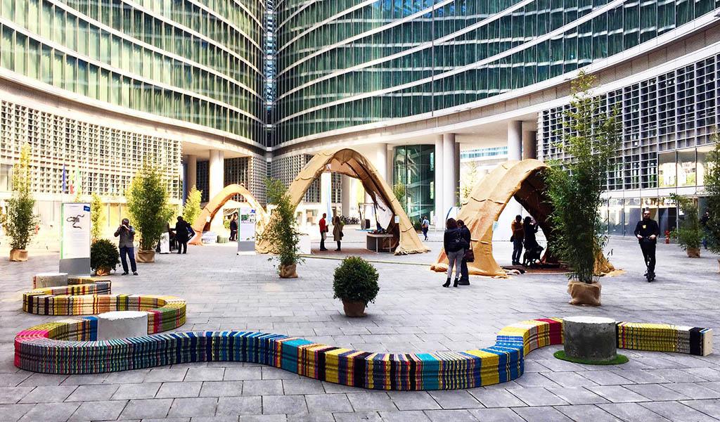 installazioni design palazzo Lombardia