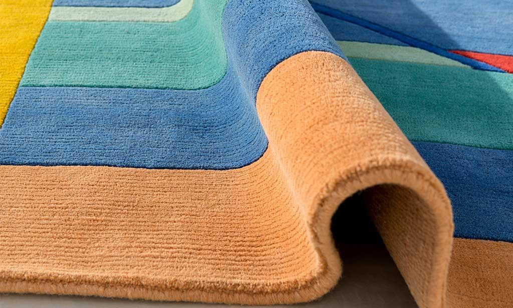 tappeto colorato tessuto
