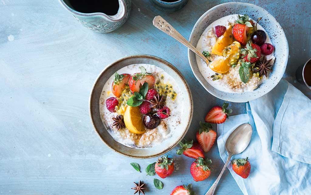 ciotole yogurt prima colazione