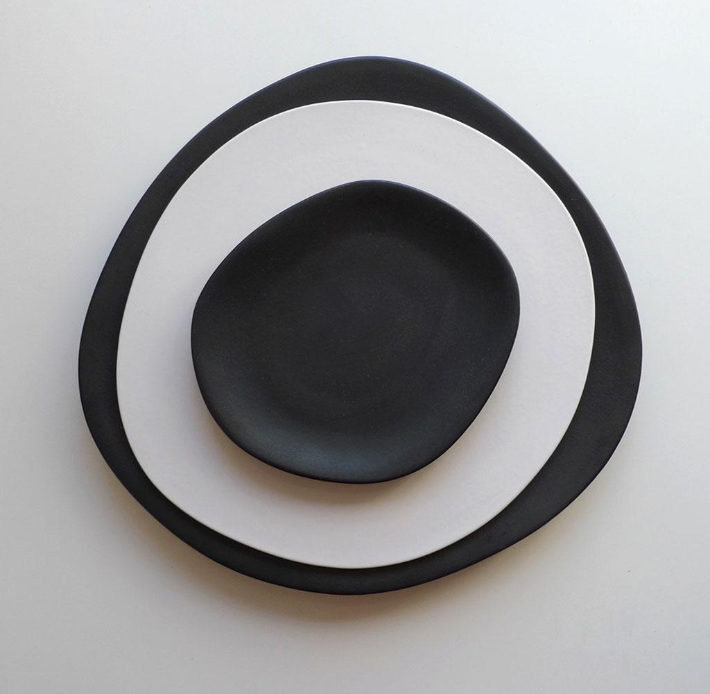 servizio piatti design bianco nero